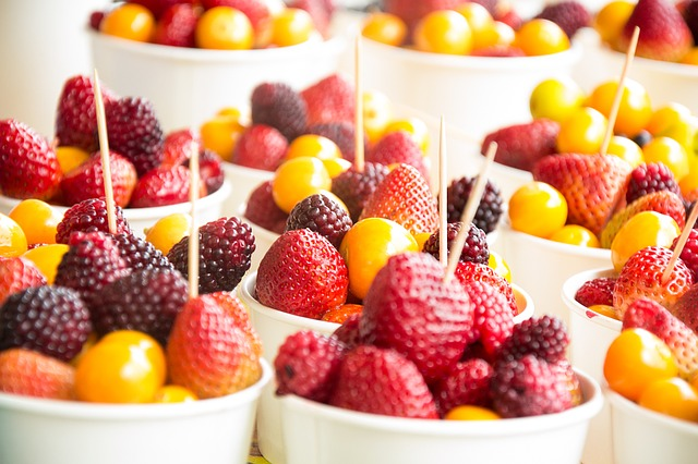 Keep Healthy Snacks Near Bed | 6 Ways to Curb Sugar Cravings Before Bedtime