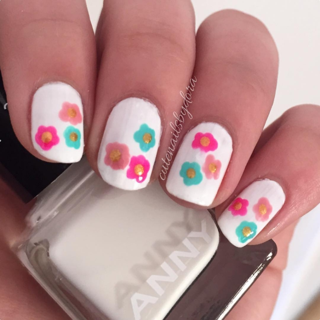 Bright And White | Floral Nail Art designs for spring