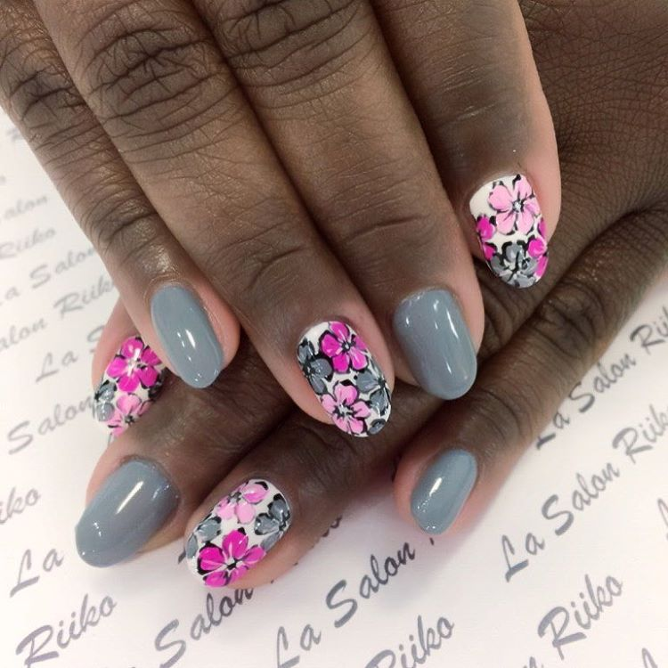 Show off | Floral Nail designs for spring