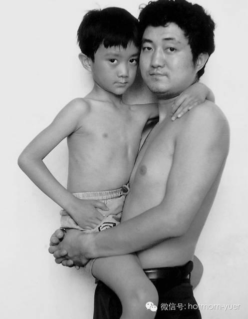 Father and Son Take Same Picture in 1993