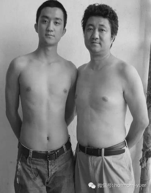 Father and Son Take Same Picture in 2006