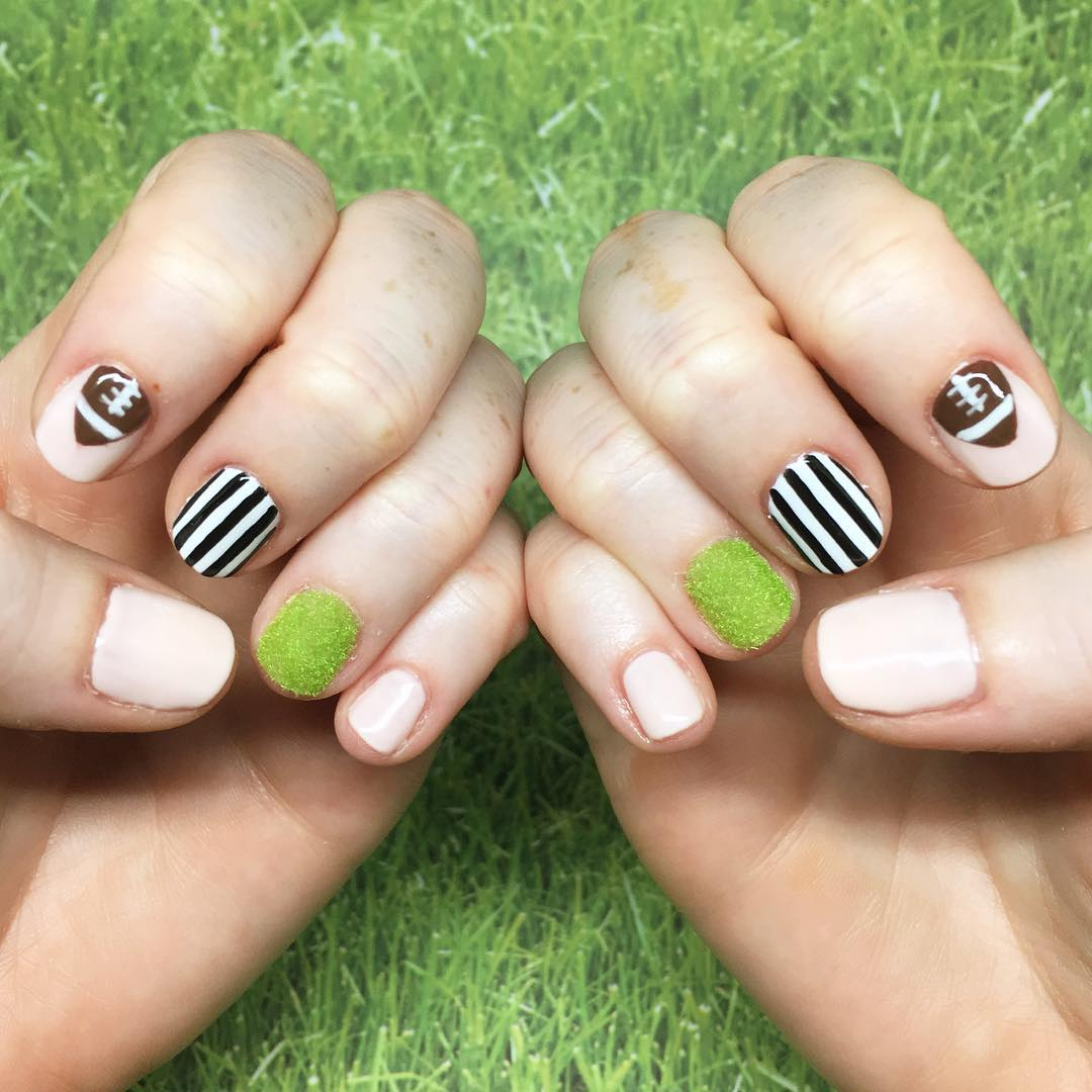Green grassy powder Football Nails