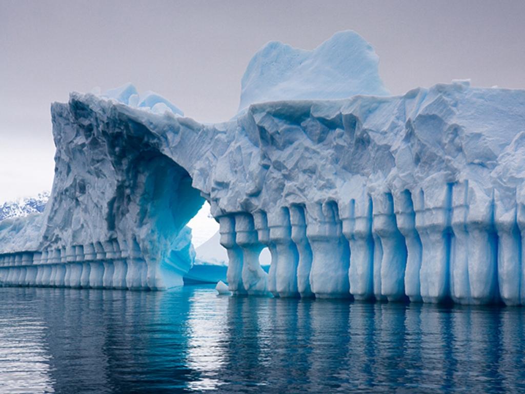 Iceberg Pleneau Bay, Antarctica