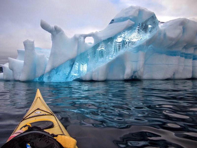 amazing iceberg in newfoundland
