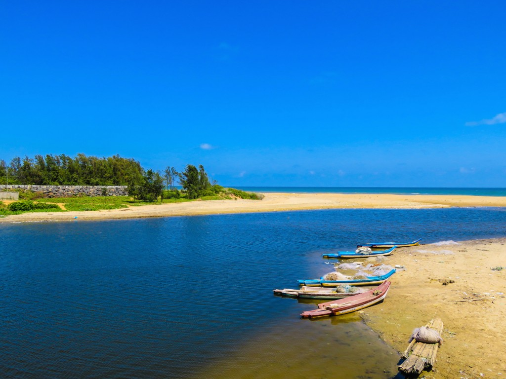 Life of Pix Island-Beach-Zain
