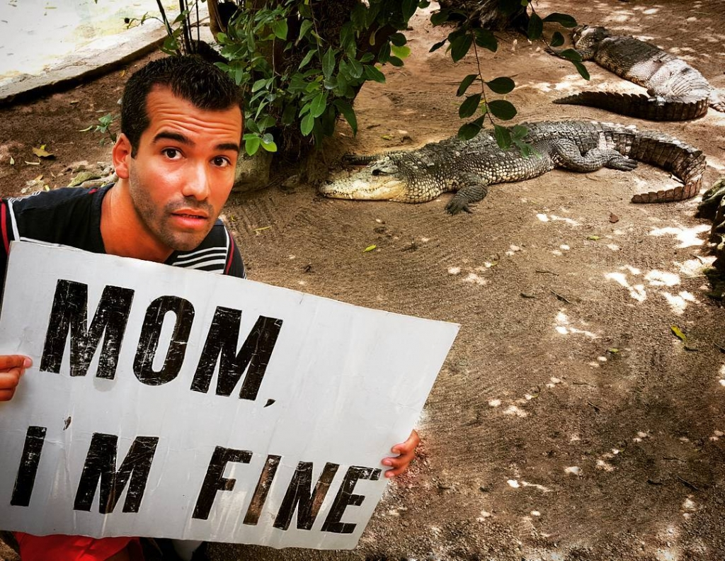 Guy Travels With Mom I Am Fine Sign With Gator In Mexico