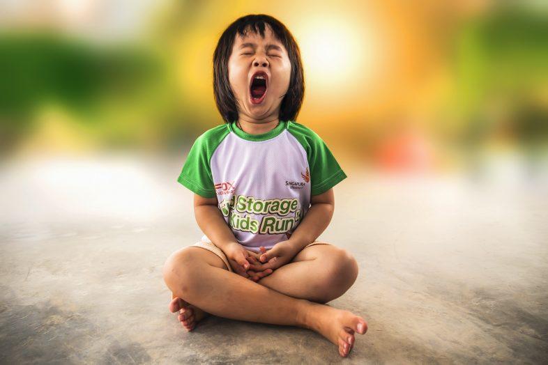 Yawning - Debongo