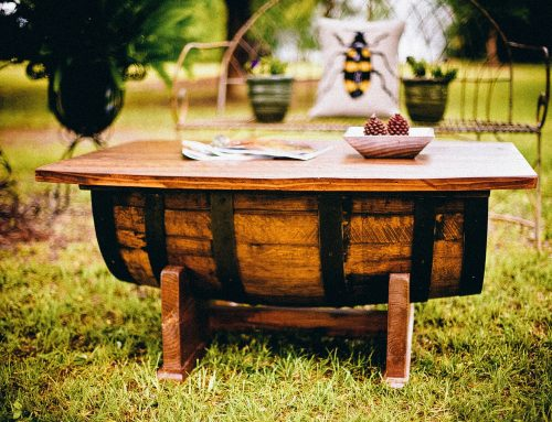 How to renew a wooden furniture without mistakes